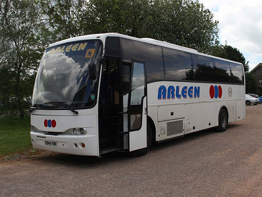 Tours by Coach, Bus, Minibus around UK Arleen coach