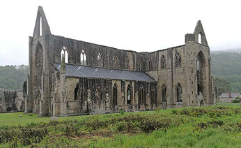 tintern abbey day trip by coach