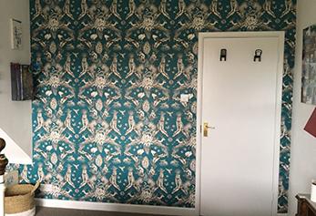 wallpapering service Bristol. Wallpaper on wall